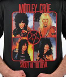 """MOTLEY CRUE """"Shout At The Devil"""" [T-Shirt]"""